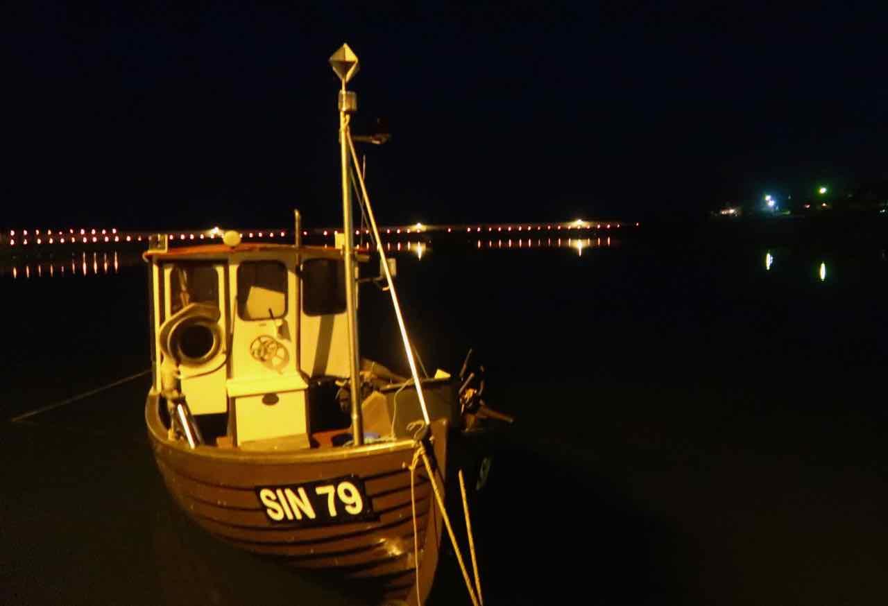 Vitemölla hamn Österlen Lyser